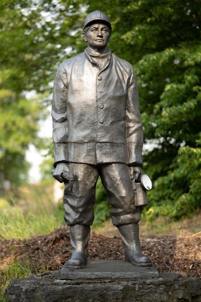 """Statue """"Fritz Heichel"""""""