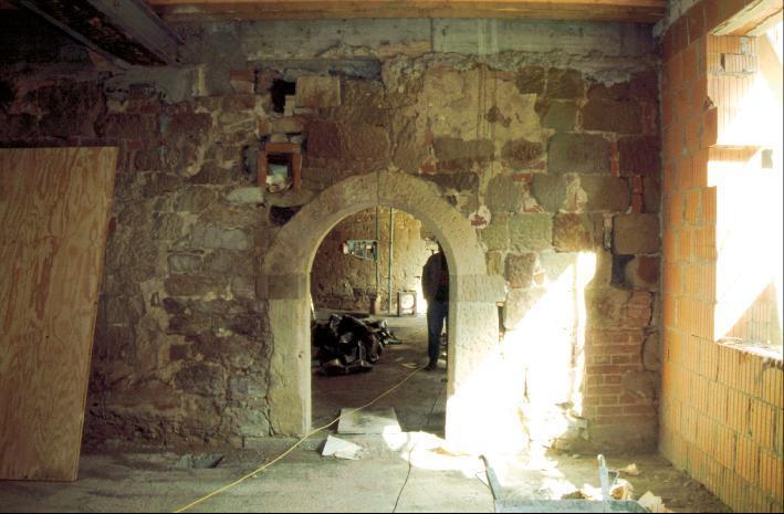 Kelleranlage vor der Restaurierung. Heute gehört er zu einem Restaurant.