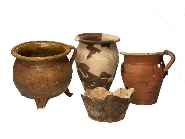Diese keramischen Funde datieren die Wüstung.