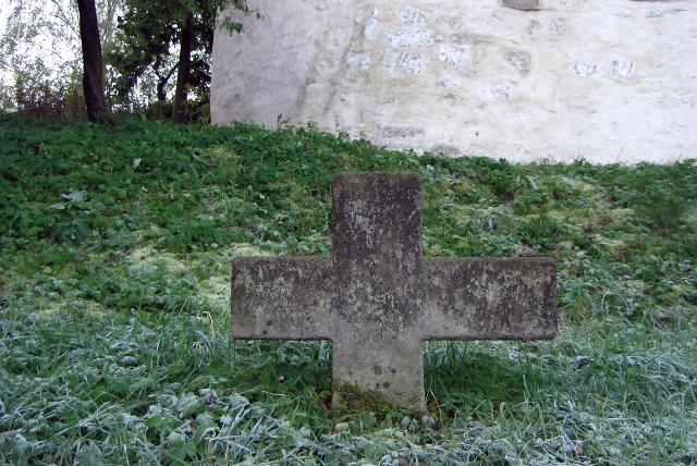 Nachbildung des Steinkreuzes.