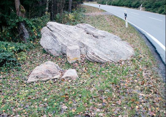 Der Krumme Stein bei Effelder.