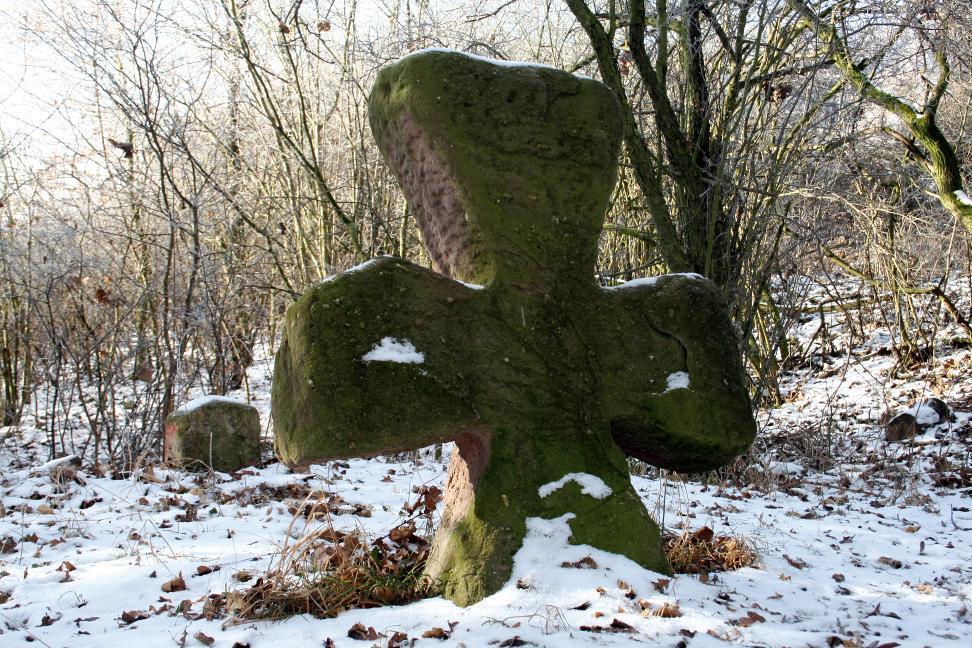 Das sogenannte Jägerkreuz oder Tatzenkreuz bei Bad Frankenhausen.