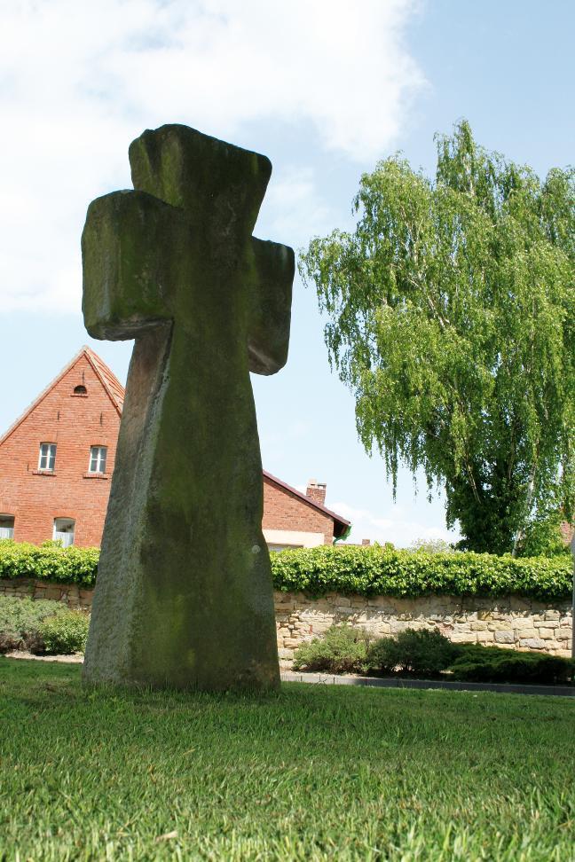 Dieses Steinkreuz in Donndorf gehört zu den größten im Kyffhäuserkreis.