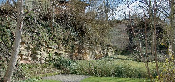 Die Stadtmauer von Bad Salzungen ist noch teilweise erhalten.