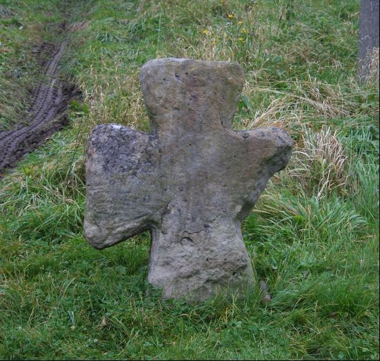 Die Form des Steinkreuzes von Friedebach wurde in der Orlasenke nur selten verwendet.