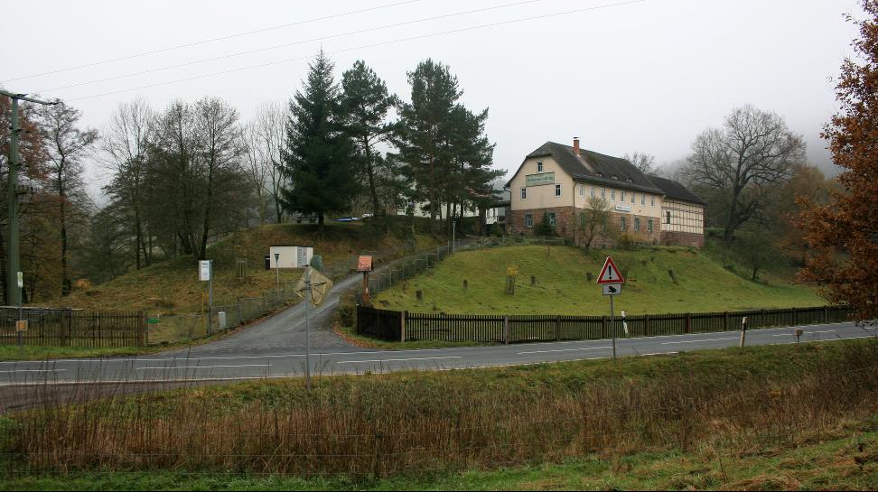 Die Anhöhe Schimmersburg bei Langenorla bot günstige Bedingungen für die Errichtung einer Befestigungsanlage.