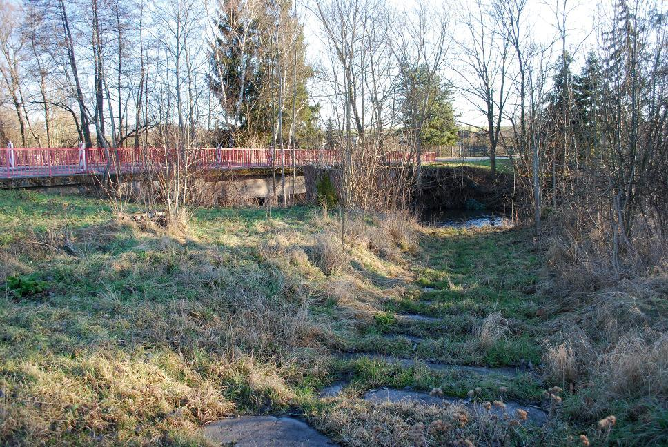 War diese bedeutende Kupferstraßenquerung über die Ilm bei Oßmannstedt eine Furt oder Brücke?